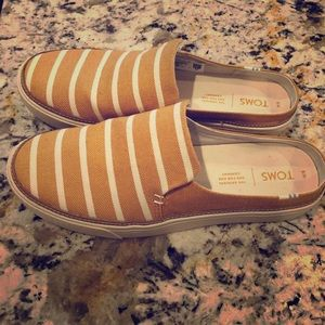 TOMS low back summer sneakers